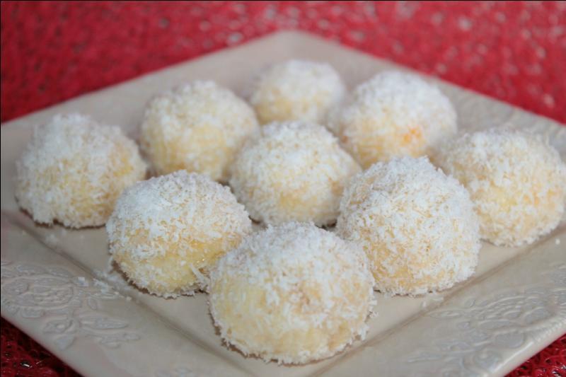 Comment appelle-t-on ces pâtisseries marocaines à base de noix de coco ?