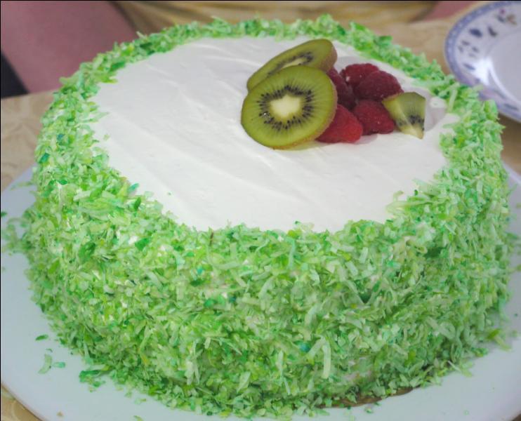 Quel fruit a-t-on utilisé pour décorer ce joli gâteau ?