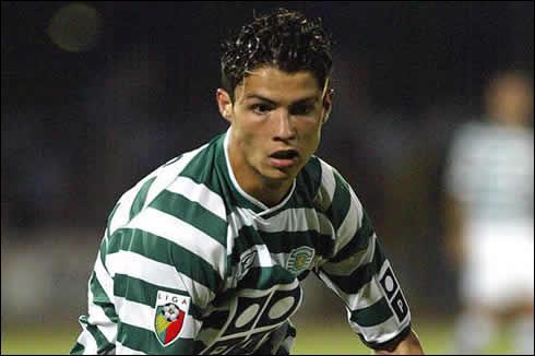 Avec quel club portugais s'est-il fait remarquer par Sir Alex Ferguson ?