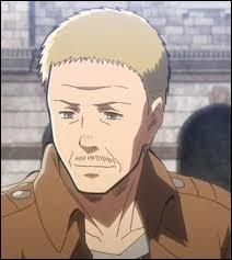 Comment s'appelle le soldat qui sauve Eren et Mikasa des Titans lors de la première attaque ?