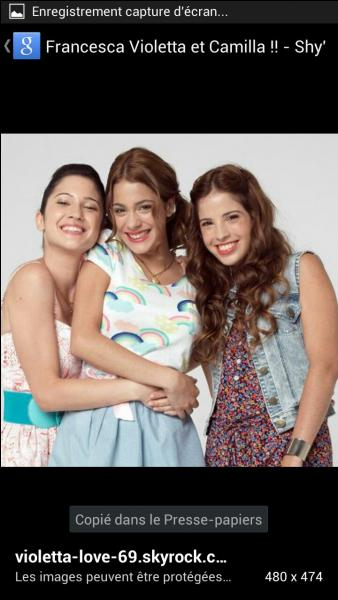 Qui sont ces filles à la gauche et à la droite de Violetta ?