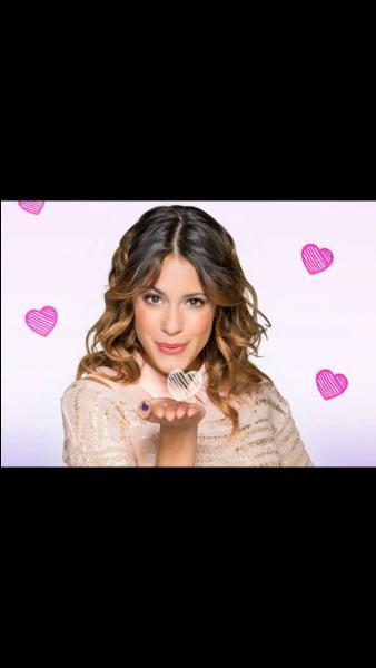 Violetta arrive-t-elle à surmonter les critiques ?