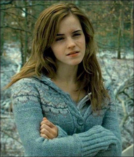 Qui demande à Harry, dans un des livres : « Tu as toujours tes deux fesses ? »