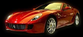 Cette voiture de luxe est une Ferrari !