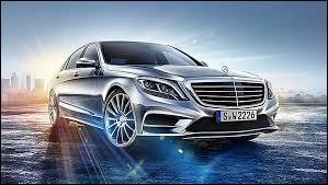 Les Mercedes sont des voitures de luxe .