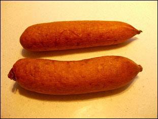 Dans quelle petite ville du Haut-Doubs de 6 779 habitants sont fabriquées ces saucisses ?