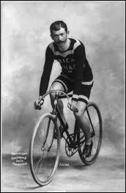 Le coureur cycliste Lucien Lesna est né dans cette ville !