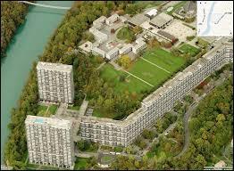 Cette ville se trouve dans le canton de Genève. Quel est son nom ?