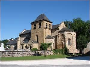 6 533 habitants pour qui la « mort » porte un nom qui lui va si bien, funeste et cruelle. Cette ville est traversée par la Corrèze.