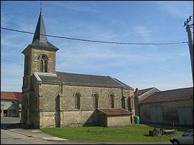 Commune de la Meuse, je suis située à proximité d'un cimetière militaire américain et j'ai vu ma population diminuée au cours des années.Quelle est cette commune ?