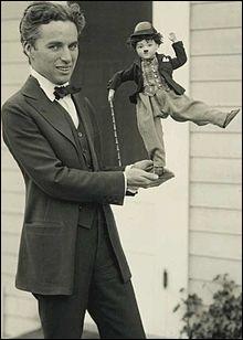 """Dans son film """"Le vagabond"""", Charlie Chaplin invente un personnage. Quel est son nom ?"""