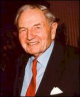 Le 12 juin 1915, naissance à New York de l'homme d'affaires et milliardaire américain...