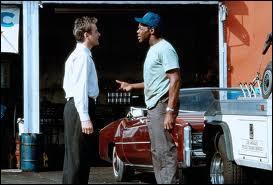 """Dans le très beau film de Lawrence Kasdan """"Grand canyon"""", Kevin Kline venu des beaux quartiers tombe en panne en pleine nuit dans un lieu dangereux de sa ville, et ne doit son salut qu'à Danny Glover, le dépanneur. Dans quelle ville est-on ?"""