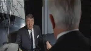 """Auquel de ces Jean revient cette réplique culte """"Je pense que le jour où on mettra les cons sur orbite, t'as pas fini de tourner."""" ?"""