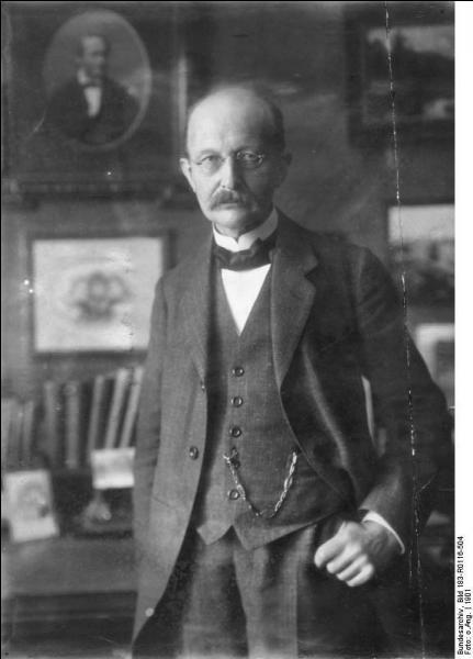 Physicien et un des fondateurs de la mécanique quantique, il est né à Kiel (Allemagne) en 1858. Prix Nobel de physique en 1918, il se nomme :