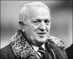 De 1973 à 1975, exceptionnellement, le sélectionneur de l'équipe de France n'était pas français. Quelle était la nationalité de Ștefan Kovács ?