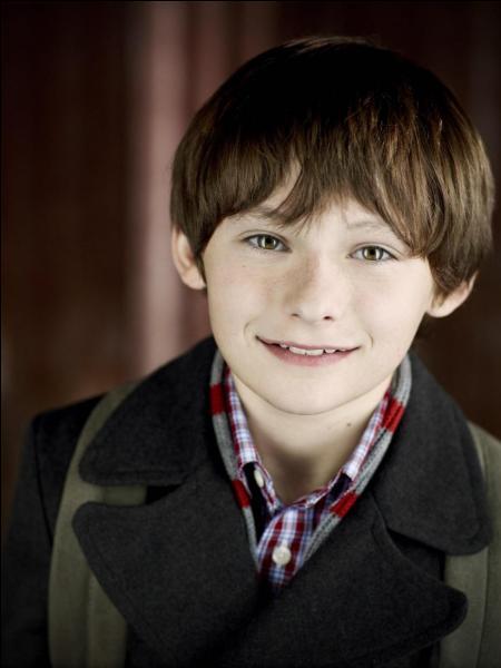 Comment s'appelle l'acteur qui joue Henry ?