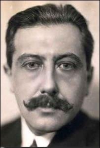 Né en 1888 à Paris, cet écrivain est l'auteur de ''Sous le soleil de satan'' et de ''Journal d'un curé de campagne'' ; il s'appelle :