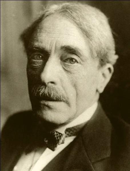 Né à Sète en 1871, ce poète très influencé par Mallarmé a écrit ''Le Cimetière marin'' et ''La Crise de l'esprit'' ; il se nomme :