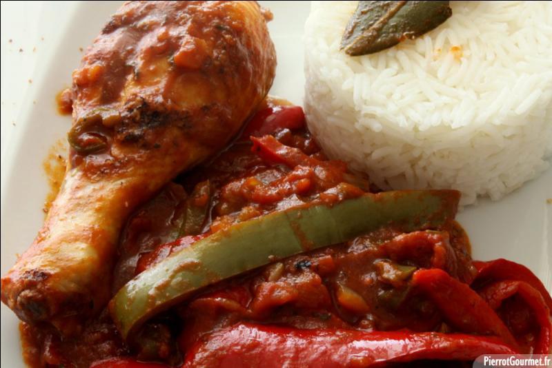 Et voici un poulet dont la réalisation nécessite tomates et poivrons :