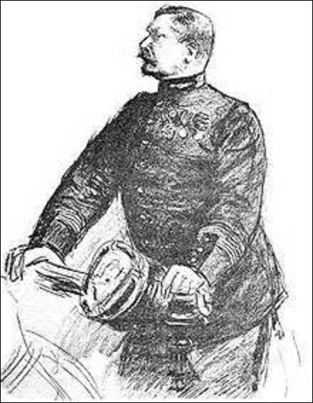 """Revenons sur ce personnage de la question n°7. Affecté en 1877 au Deuxième Bureau, chargé des renseignements sur les troupes ennemies, acquitté (comme on l'a vu), il est réformé quelques jours plus tard, par la découverte de fausses preuves accusant Dreyfus, appelé """"le faux Henry"""", créées de toutes pièces par un de ses amis militaires qui se nomme :"""