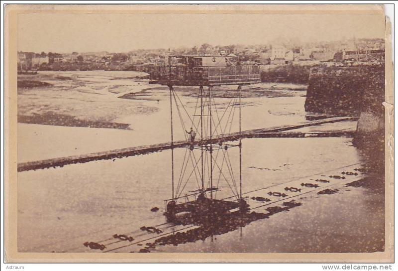 Ce pont roulant métallique, construit en 1873 en Île-et-Vilaine a été fermé en 1923, il se trouvait à :