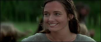 Elle tombera sous le charme de William Wallace et lui offrira également une fleur avant que celui ne parte avec son oncle. Elle sera égorgée dans un camp anglais. Qui est ce personnage ?