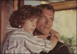 Cet ancien colonel coule aujourd'hui des jours heureux avec sa fille de 12 ans qui se fera enlever par le général Arius, un dictateur déchu, et qui demandera comme rançon l'assassinat de l'actuel président du Valverde. Qui est ce personnage ?