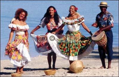 De quelle île est originaire le maloya (musique traditionnelle) ?