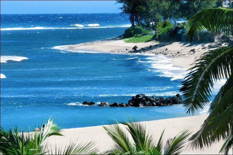 Sur laquelle des deux îles pourrez-vous bronzer sur la plage de Boucan Canot ?
