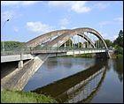 Ce pont routier en arc béton a été construit sur la Loire dans la Nièvre en 1960 à Nevers. Il se nomme :