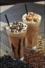 Voici deux beaux exemples de cafés...