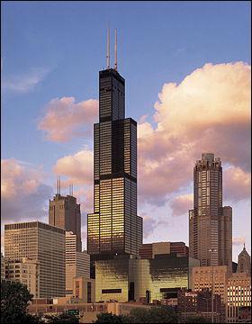 Dans quelle ville se trouve la Willis Tower ?