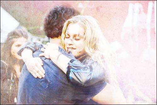 À quel épisode de la saison 2, Bellamy & Clarke sont-ils réunis ?