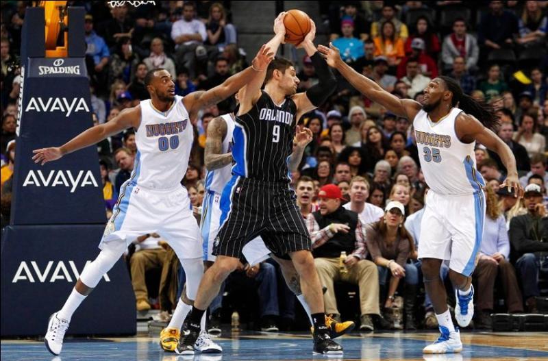 De combien de matchs est composée une saison régulière de NBA ?