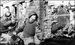 « Transportez votre quartier général à l'intérieur de la ville et établissez une défense en hérisson. La Luftwaffe vous ravitaillera par air. »De quelle ville est-il question ?