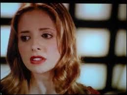 """Qui pleure en écoutant la chanson """"Donne-moi une vie"""" chantée par Buffy ?"""