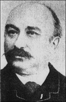 Lui, c'est un ingénieur qui aurait été le premier à faire décoller un engin motorisé en 1890, mais il n'y a aucune preuve. Quel est son nom ?