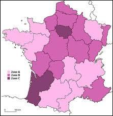 En combien de zones la France est-elle découpée pour le calendrier des vacances scolaires ?