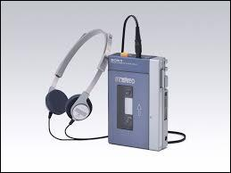 Dieu avait un walkman, qui enregistrait 20 musiques, vite fait. Ainsi, le neuvième jour suivant la création du monde, Dieu inventa :