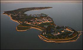 L'île d'Aix est une île bretonne de l'Atlantique, au large de Quiberon.