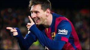 Quel club argentin sélectionne Lionel Messi lors de l'année de ses 8 ans ?