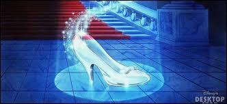 Je suis quasiment sûre qu'elle est incapable de courir avec des chaussures avec talons !