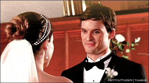 Pour commencer, avec qui Julian Baker s'est-il marié ?