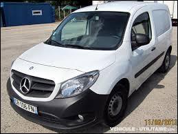 Le Renault Kangoo avec une calandre Mercedes devient un...