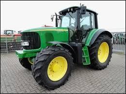 Ces tracteurs verts à roues jaunes sont des ...