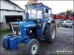 De la Mustang, ce tracteur n'a que la marque. Il s'agit d'un ...