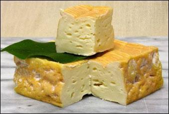 Les Pontépiscopiens sont fiers de ce fromage à base de lait de vache, à pâte molle et croûte lavée, de forme carrée, fabriqué dans leur bourg du Calvados qui est...