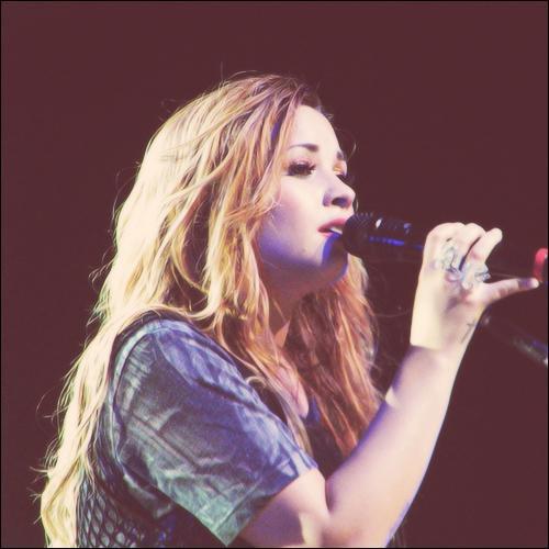 Et pour terminer, quelle personne est une chanteuse ?
