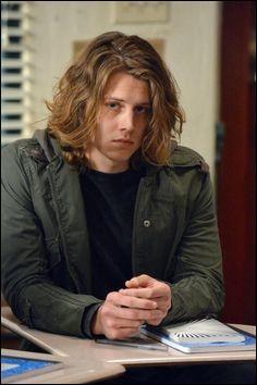 Ce jeune homme rejoint Carter à Falls Chruch en Virginie. Depuis peu, il est le petit-ami de Taylor. Qui est-il ?
